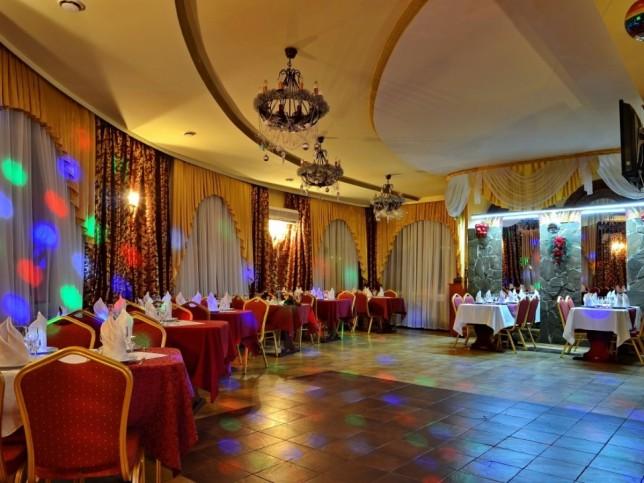 кафе старый замок курск фото окружена живописнейшей сибирской